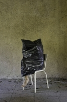 brotherus/Black-object---white-chair_RGB-300dpi_web